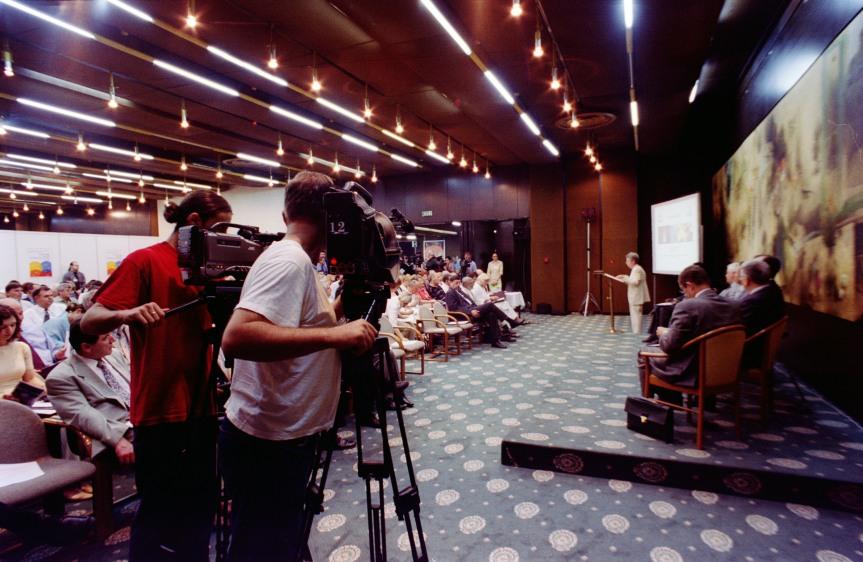 REPORTERI BEZ GRANICA: NIKADA UGROŽENIJA SLOBODA MEDIJA U SVIJETU – BIH NA 65.MJESTU